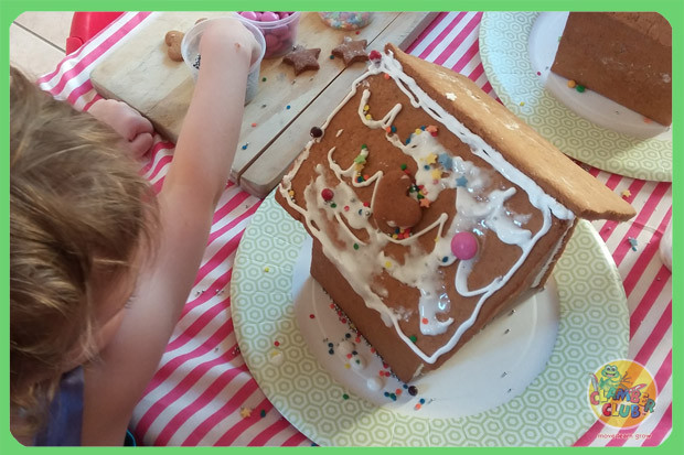 gingerbread-houses-06