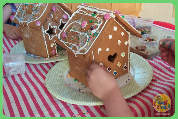 gingerbread-houses-07