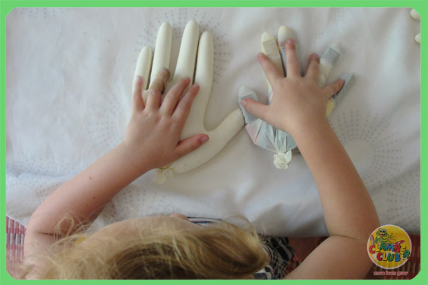 sensory-gloves-04